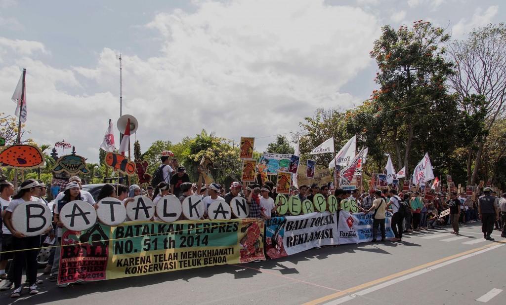 Aksi Tolak Reklamasi Teluk Benoa Di Depan Bajra Sandhi Denpasar, Bali