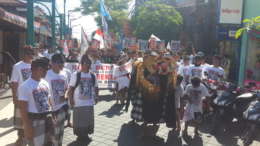Masyarakat Desa Adat Kuta Menggelar Parade Penolakan Reklamasi Teluk Benoa