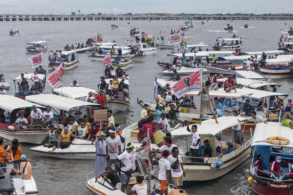 Foto aksi tolak reklamasi di Teluk Benoa
