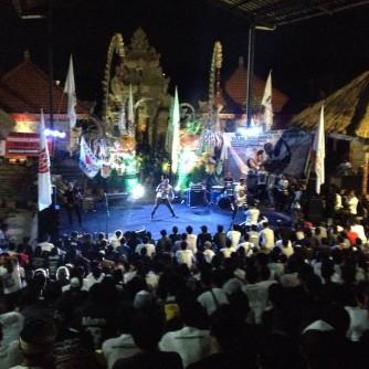Foto Konser Mini Bali Tolak Reklamas Teluk Benoa (3)