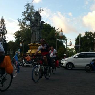 Foto Jelang Keberangkatan Pesepeda Keliling Bali (1)