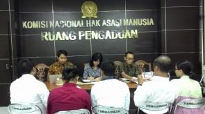 Foto _ Eksekutif Nasional WALHI, Divisi Hukum ForBALI dan Korban Diterima Langsung Oleh Komnas HAM (1)