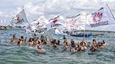 Foto Aksi Tolak Reklamasi Teluk Benoa di Perairan Teluk Benoa 7 Maret 2017 (1)