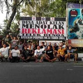 Foto Pemasangan Baliho BTR oleh Desa Adat Kelan 14 Oktober 2017 (3)