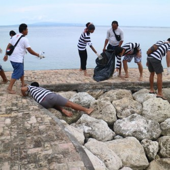 Dokumentasi Beach Clean Up Leak Sanur & Marjinal 14 Desember 2017 02