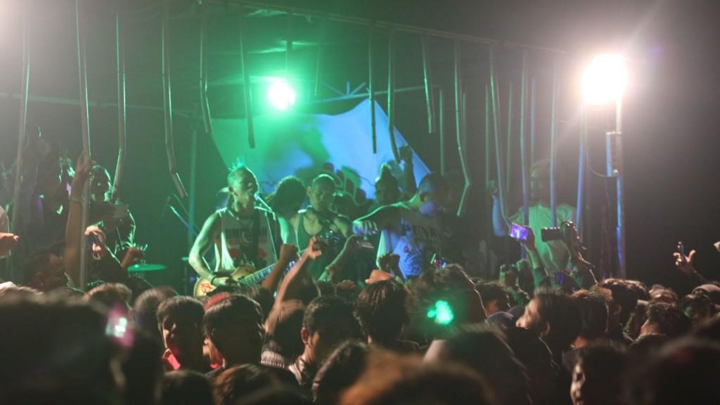 Ribuan Orang Hadiri Konser Kian Dibungkam Kian Melawan