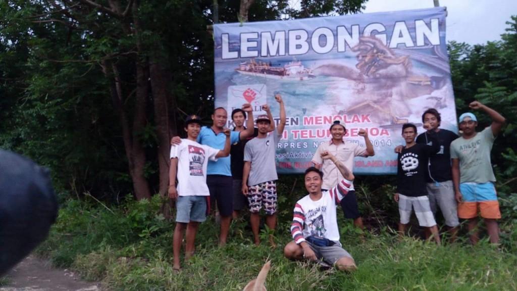 Foto pendirian baliho pemuda Nusa Lembongan dan Nusa Ceningan (3)