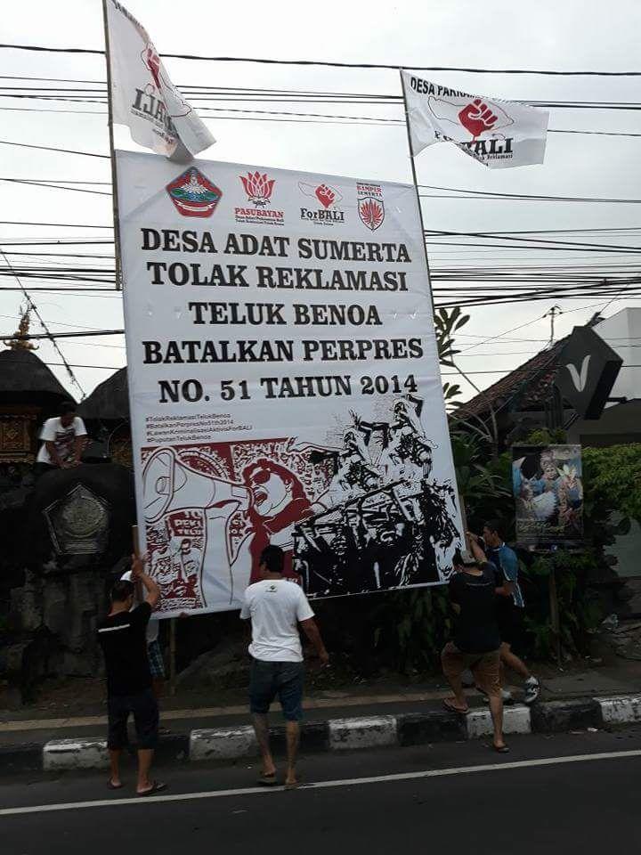 Bamper Sumerta Melakukan Pemasangan Baliho di Wilayah Desa Adat Sumerta, Denpasar (2)