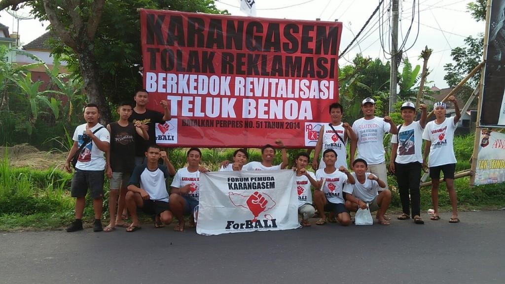 Foto Pendirian Baliho oleh Forum Pemuda Karangasem dan Pemuda Geriana Kauh, 20 Mei 2018 (4)