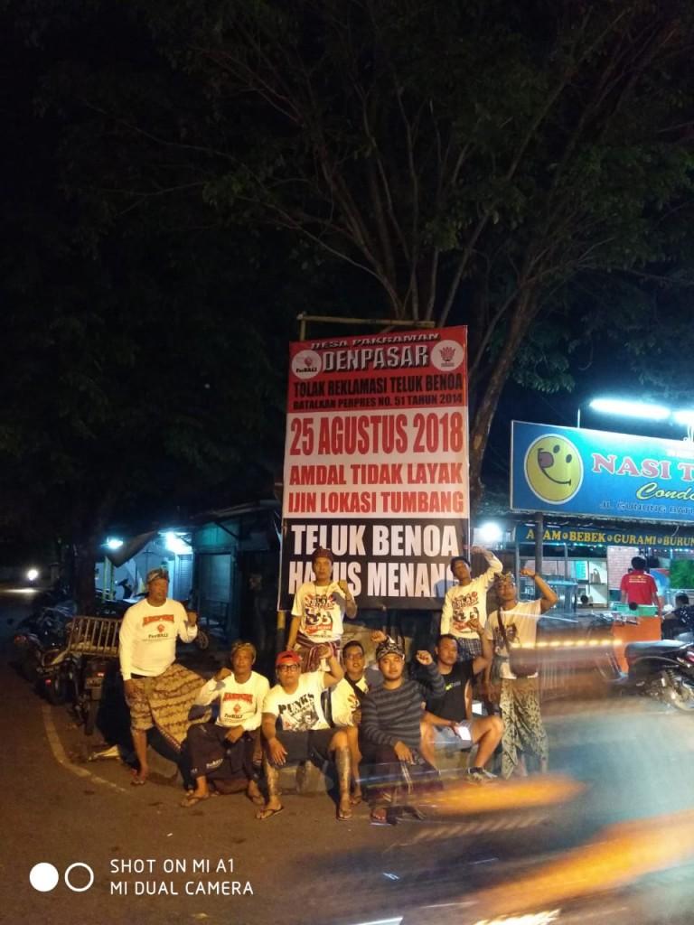 Pemasangan Baliho BTR OLIH Desa Pekraman Denpasar 19-08-2018