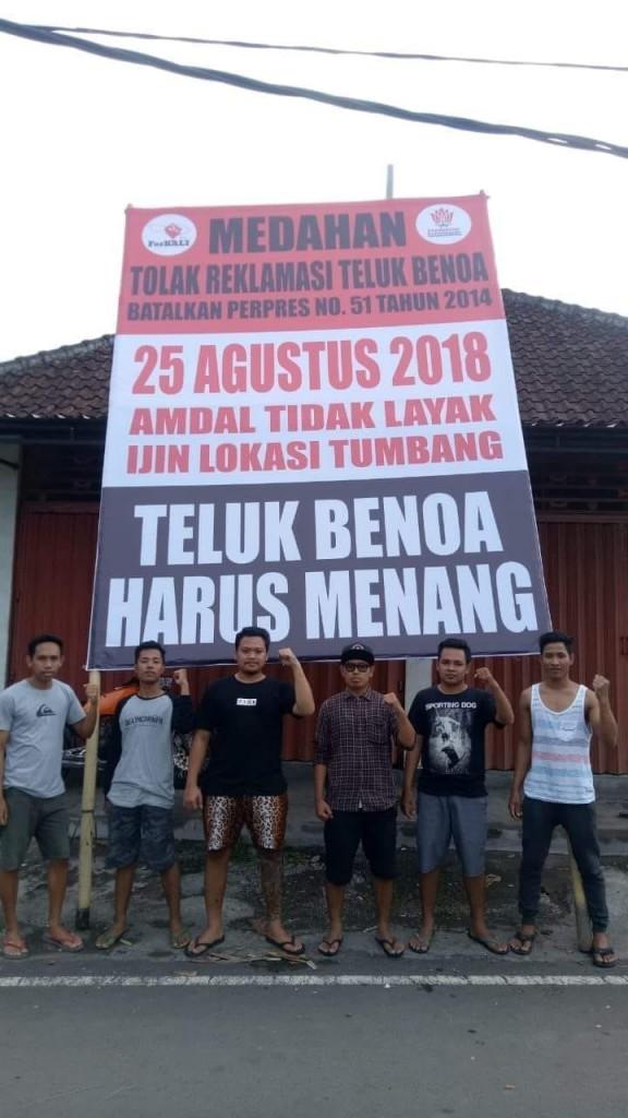 Pemasangan Baliho BTR Oleh Desa Adat Medahan 19-08-2018