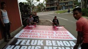 Pemasangan Baliho BTR Oleh Desa Adat Medahan 19-08-2018.jpg 2