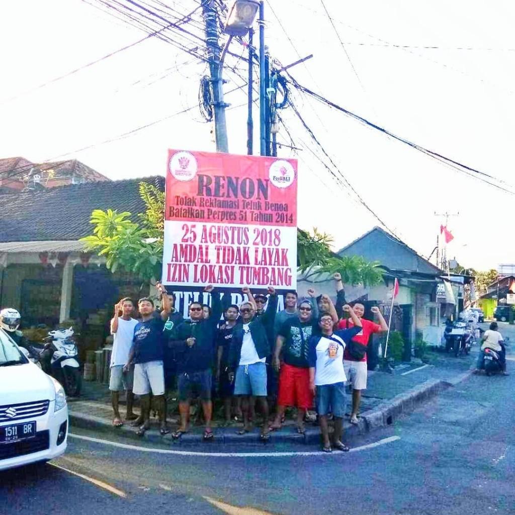 Pemasangan Baliho BTR Oleh Desa Adat Renon 21-08-2018