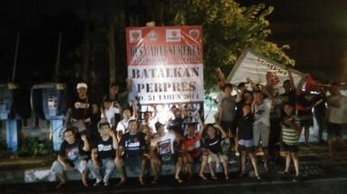 Pendirian Baliho Penolakan Reklamasi Teluk Benoa oleh BAMPER Sumerta. 18 Januari 2019.jpeg 3