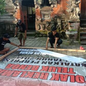 2019-02-10-dokumentasi rilis Lawan Perusakan Baliho BTR Tatasan Kaja Kembali Pasang Baliho BTR (3)